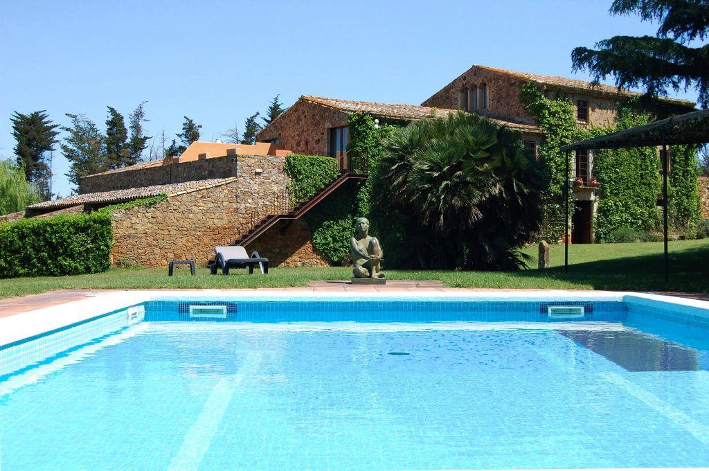Hoteles con encanto en girona petits grans hotels de for Hoteles con piscina asturias