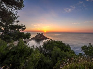 Romantic break on the Costa Brava